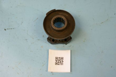 1963-1967 Corvette C2 Diff Front Yoke 17 Spline (Takes 80mm x 25mm UJ 35mm Pitch U-Bolt), Used Fair